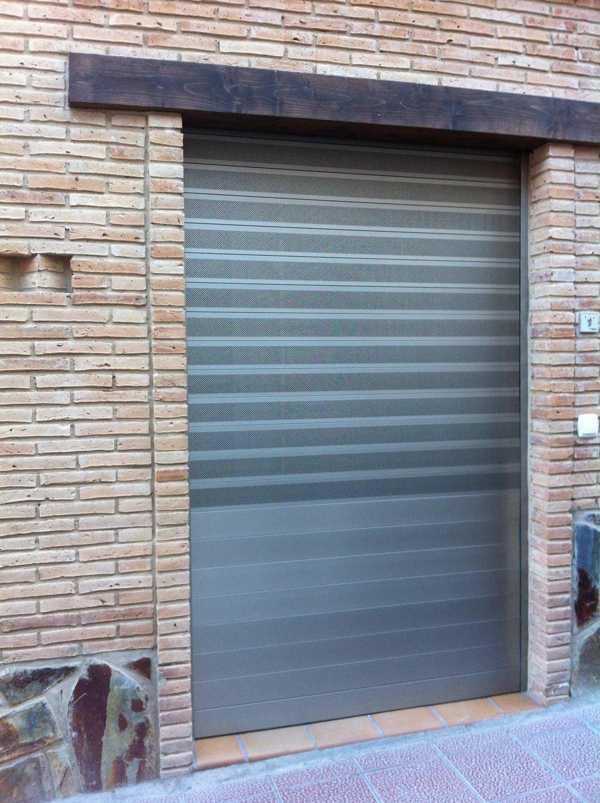 Puerta Aluminio Autoblocante